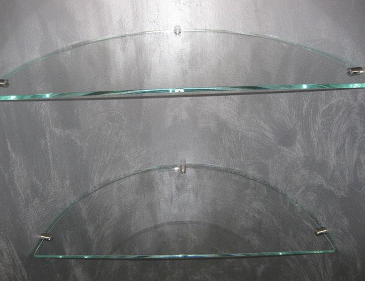 Mensole in nicchia in cristallo extrachiaro sagomate