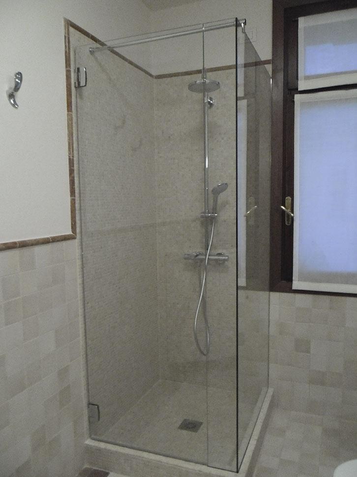 Box doccia in cristallo trasparente temperato